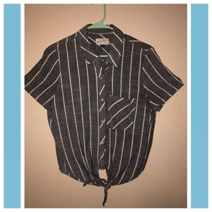 Universal Thread Cropped Tie-Front Shirt